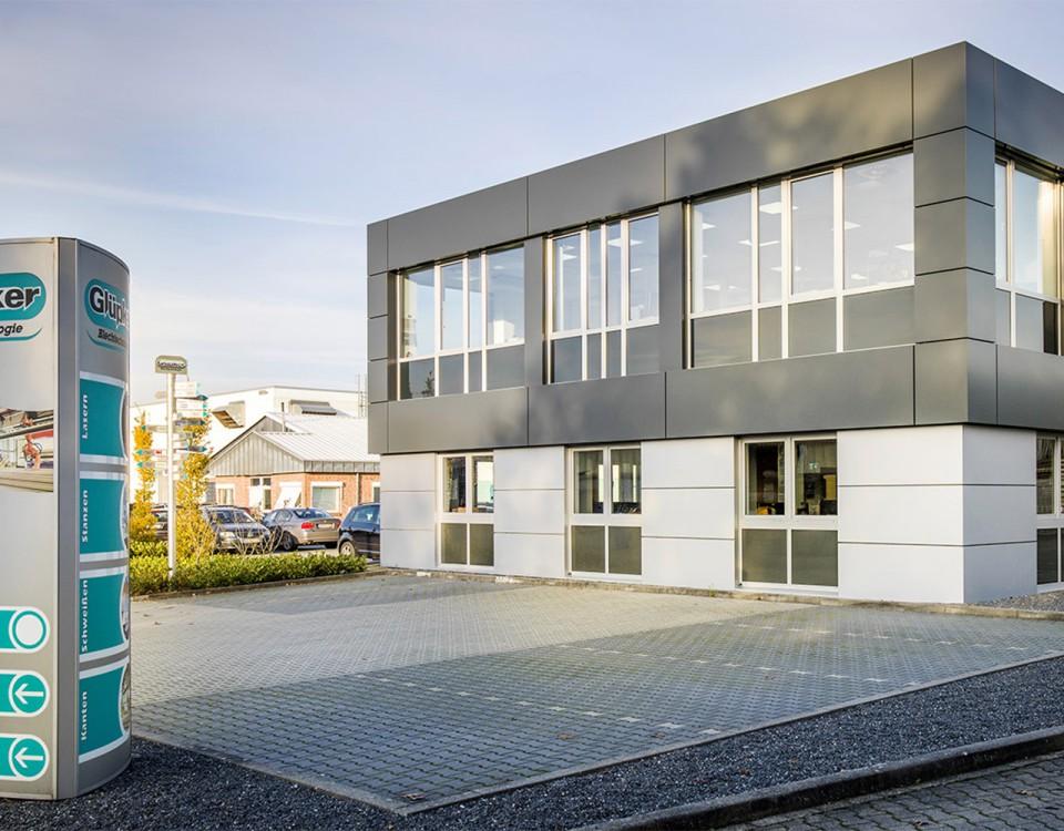 Glüpker Blechtechnologie: Firme Neuenhauser Gruppe