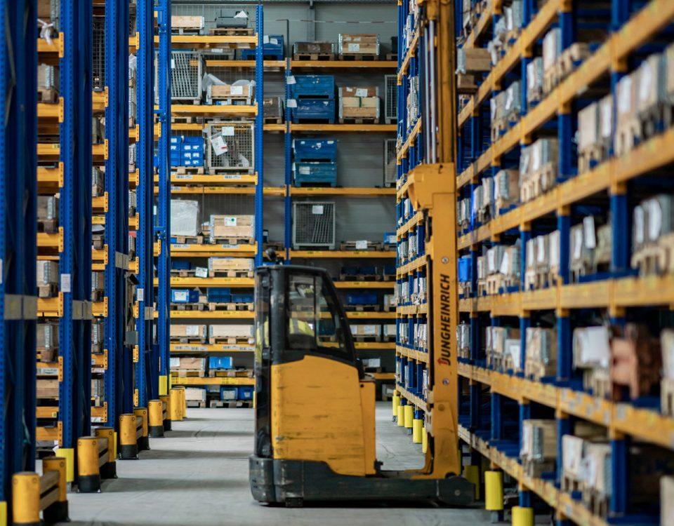 Glüpker Blechtechnologie: Logisitik/Logistics